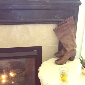 Excellent Condition Frye Rory Scrunch Boot